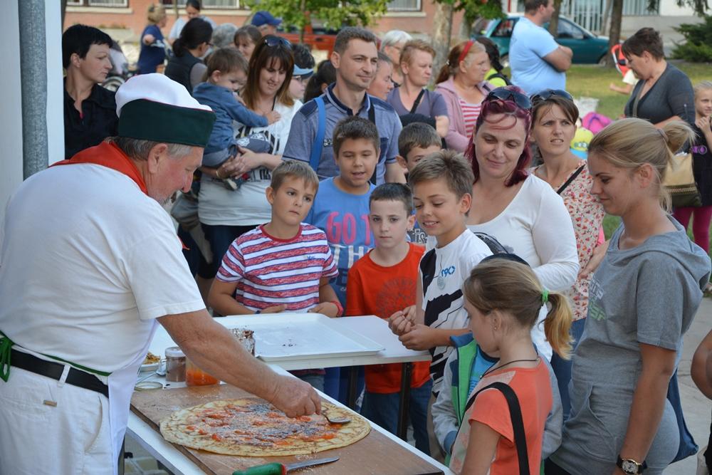 Több mint kétszázan vettek részt a közösségi ház mesenapján