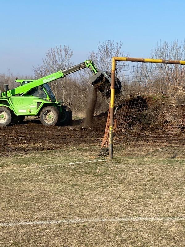 Elszállították a zöld hulladékot a régi futballpályáról