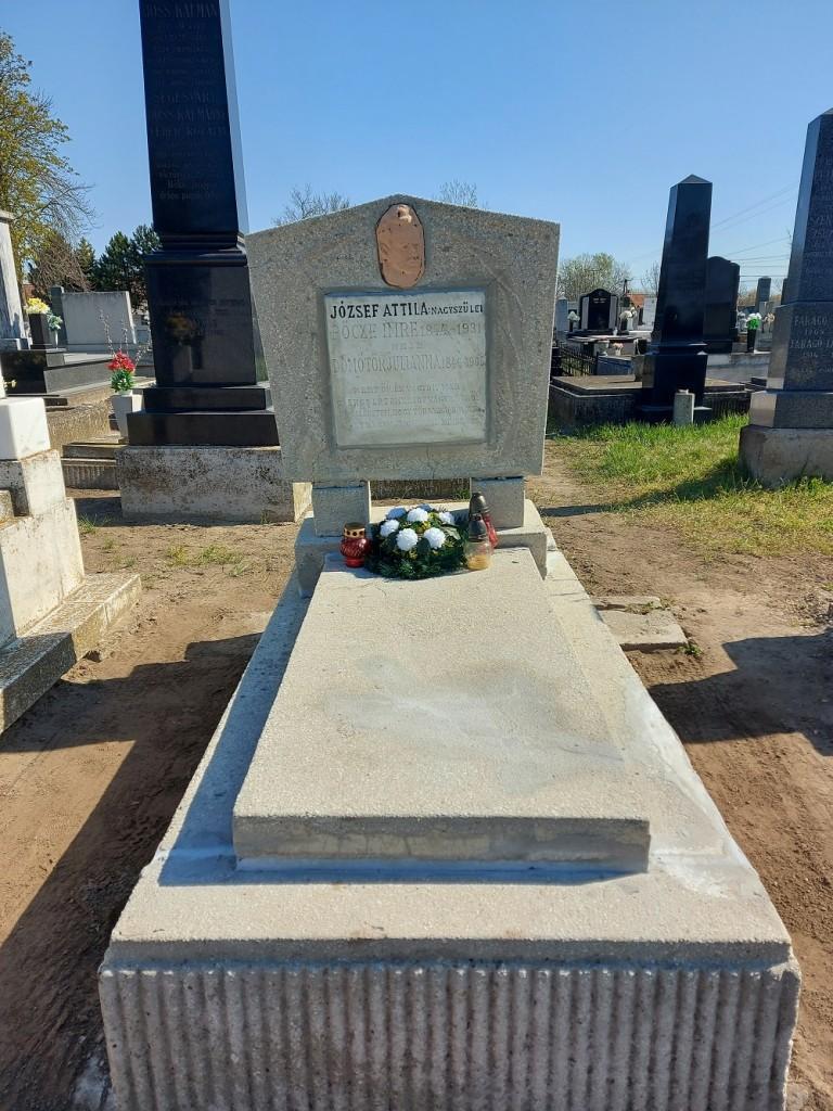 Felújították József Attila nagyszüleinek sírját Szabadszálláson